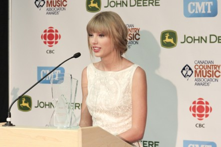 taylor swift press conference
